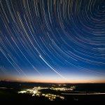 Kalender-Foto Titelseite - Eibelshausen unter dem Sternenzelt (Foto von Uwe Schäfer)